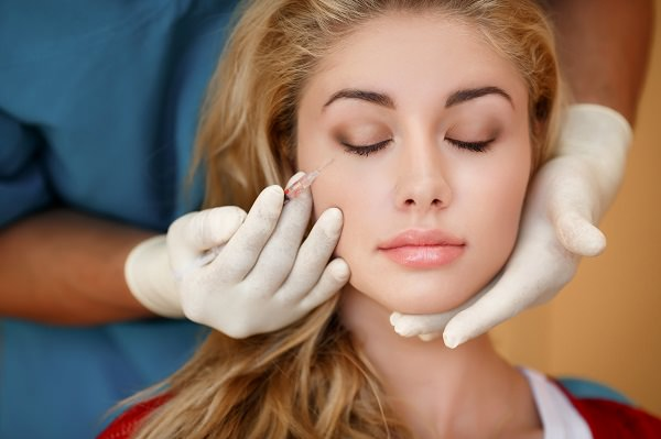 tratamiento acido hialuronico en labios y rostro- clinica dematologica madrid