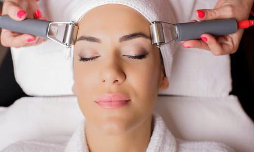 Clínica dermatológica - tratamiento skin roller